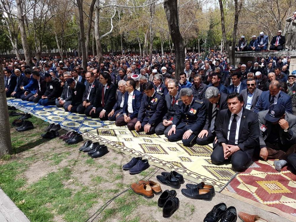 Şehit polis Azam Güdendede son yolculuğuna uğurlandı galerisi resim 12