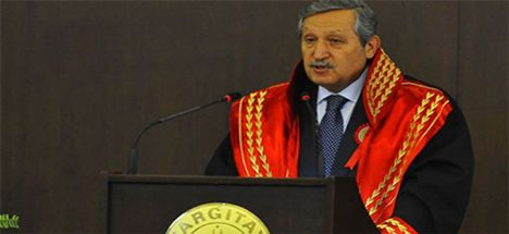 Eski Yargıtay Başkanı Gerçeker Konya'da kaza yaptı