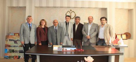 İl Genel Meclis Başkanı Özkan Doygun beraberinde İl Genel Meclis Üyeleri MÜSİAD Aksaray Şubesini ziyaret ettiler