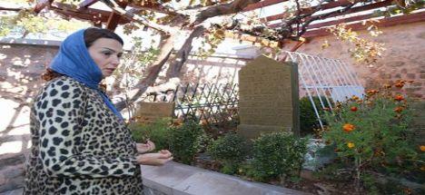 Azerbaycanlı bayan milletvekili somuncu babaya ve aksaray'a hayran kaldı