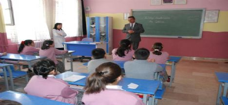 Karatay Belediye Başkanı Mehmet Hançerli Özel Model İlköğretim Okulunda Yerel Yönetimler Dersine Katıldı