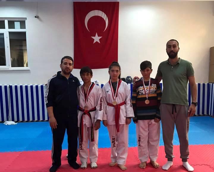 Eskil Taekwondo'sunun Hepsi şampiyon oldu!