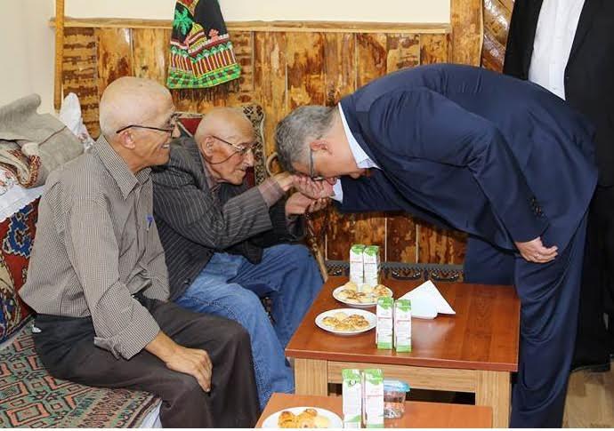 """Vali Aykut Pekmez'in """"Babalar Günü""""  Mesajı"""