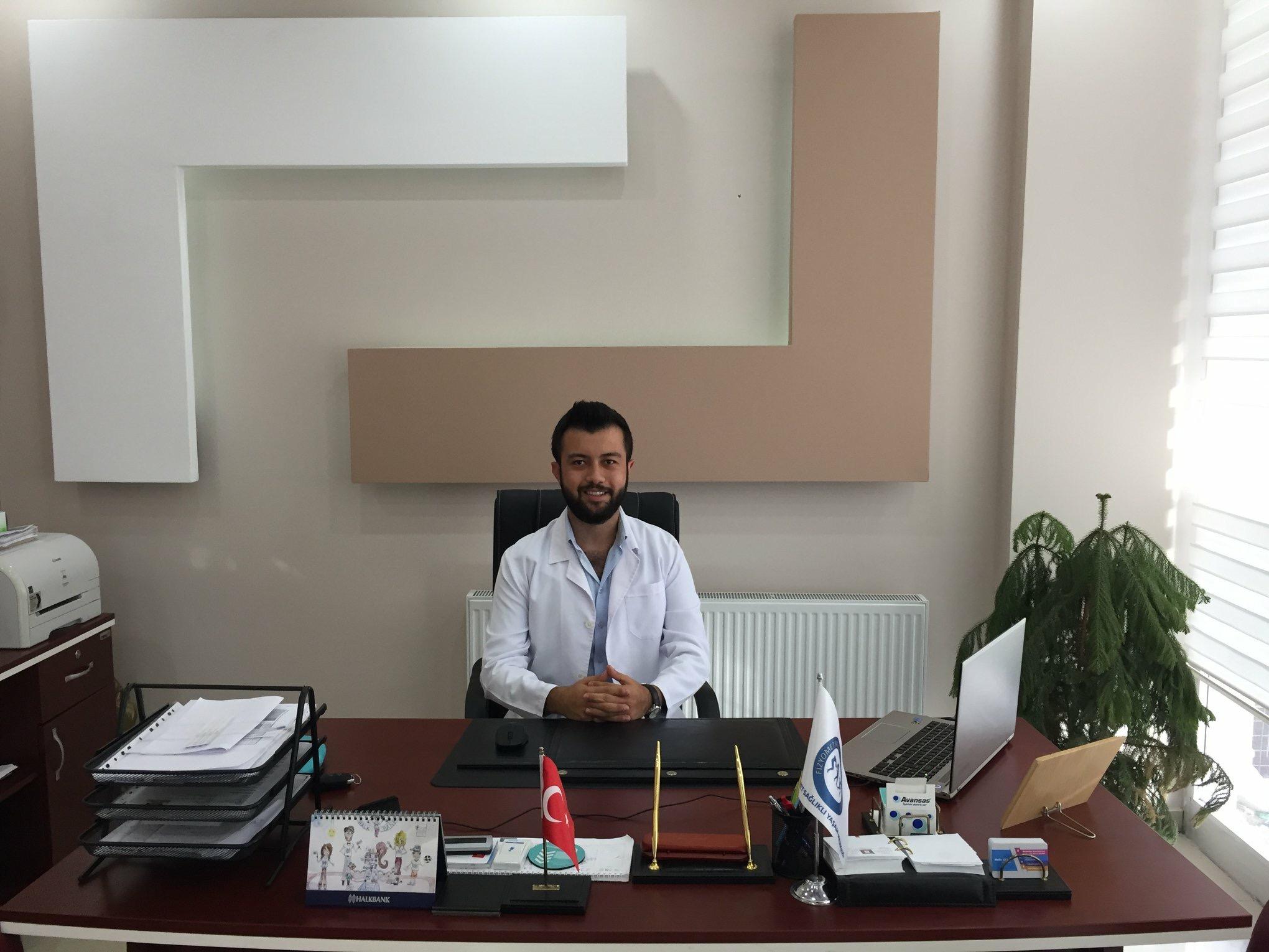Diyetisyen Murat Serkan SİNAV İlköğretim Çocukları ve Adölesanlarda Beslenme Alışkanlığı Konusunda Uyarılarda Bulundu