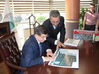 Davutoğlu, Karatay Belediyesi'ni ziyaret etti