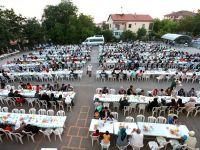Aksaray Belediyesinin Mahalle İftarları Büyük İlgi Görmeye Devam Ediyor
