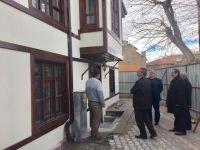 Başkan Hançerli Tarihi Binanın Restorasyon Ve Yenileme Çalışmalarını Yerinde İnceledi