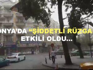 Konya'da şiddetli rüzgar etkili oldu